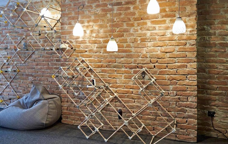 Wall with 3D printed furnitures